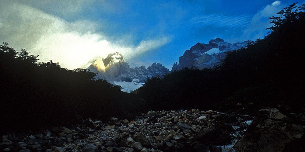 The head of the valley from Campamento BritanicoNikon FM2, 24mm, Fuji Velvia