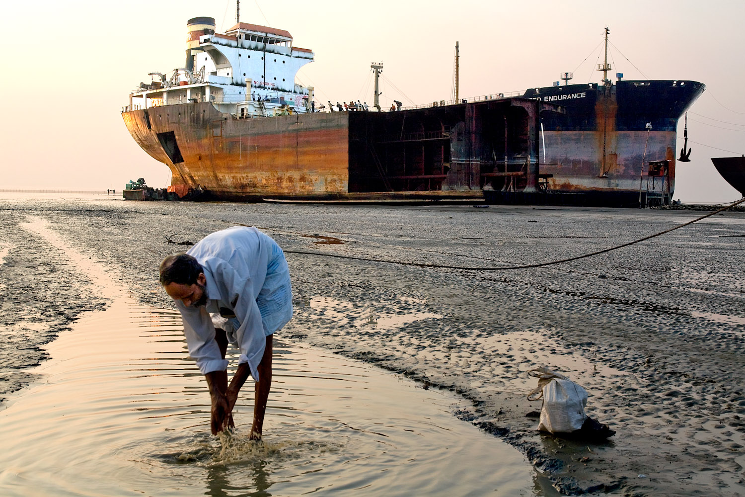 Bangladesh_Ship_Breaking_6856_PRINT_2
