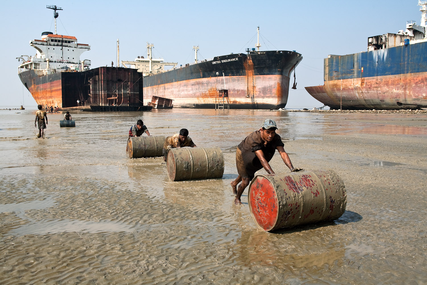 Bangladesh_Ship_Breaking_7177_PRINT