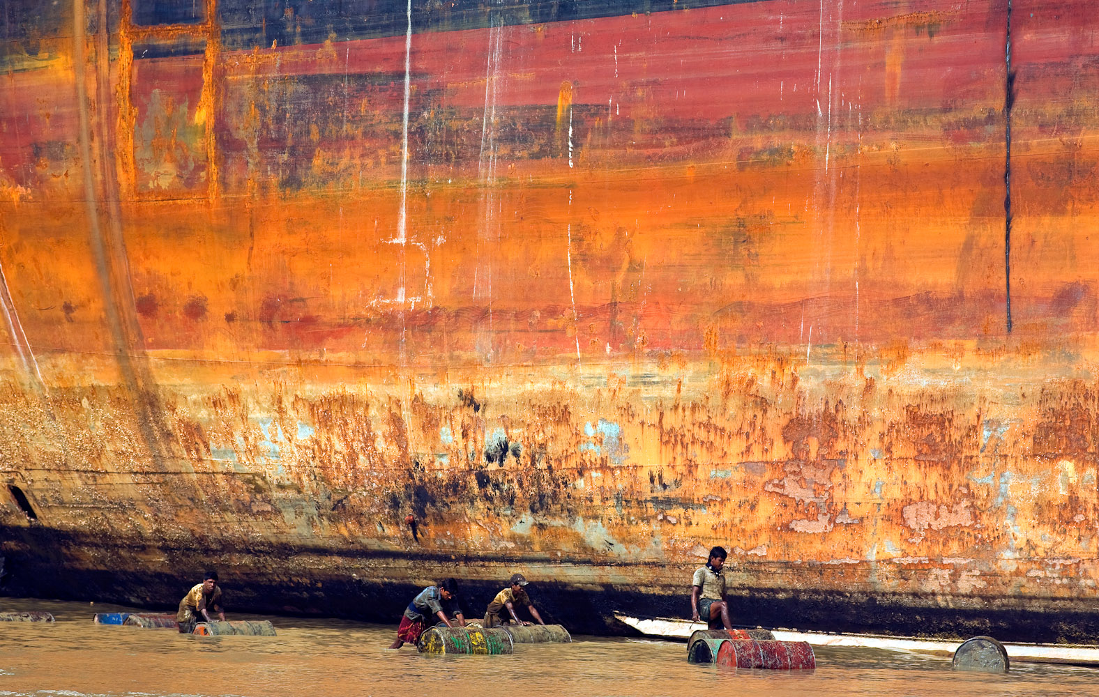 Bangladesh_Ship_Breaking_MG_7075a_PRINT