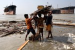 Bangladesh_ship_Breaking_7374_PRINT