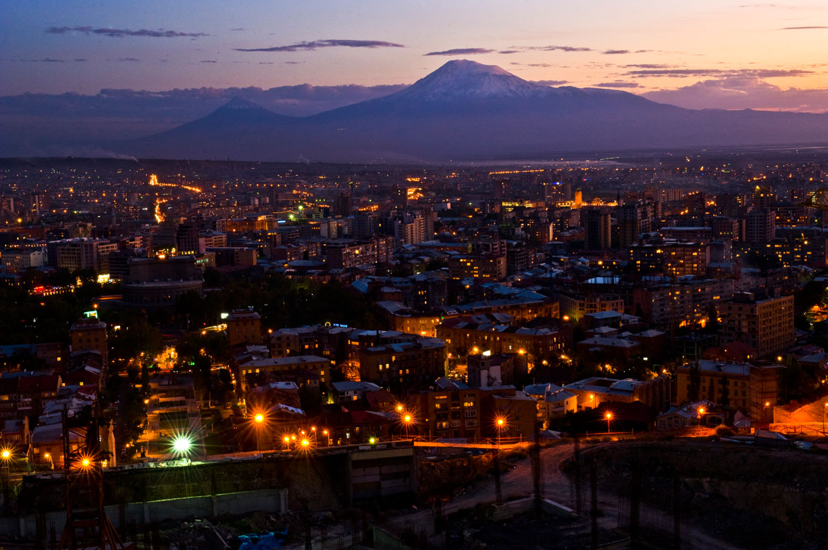The sun sets behind legendary Mount Ararat and Yerevan, the 2,790 year-old capital city of Armenia.© Habitat for Humanity International/Ezra Millstein