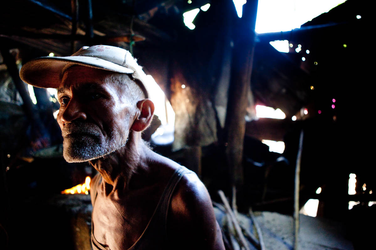 66 year-old Adolfo Gutierrez has been living in this rundown shack in La Gallina for 30 years. Soon he will move into a new home, with the help of Habitat Nicaragua.© Habitat for Humanity International/Ezra Millstein