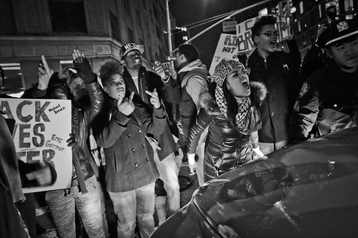 Justice for Eric Garner protest throughout entrance to Holland Tunnel, NYC, 2014. ©2017 Yunghi Kim/ Contact Press Images
