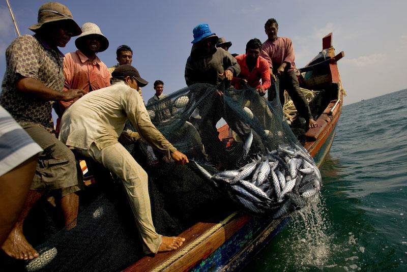 Indonesia-fisherman-14