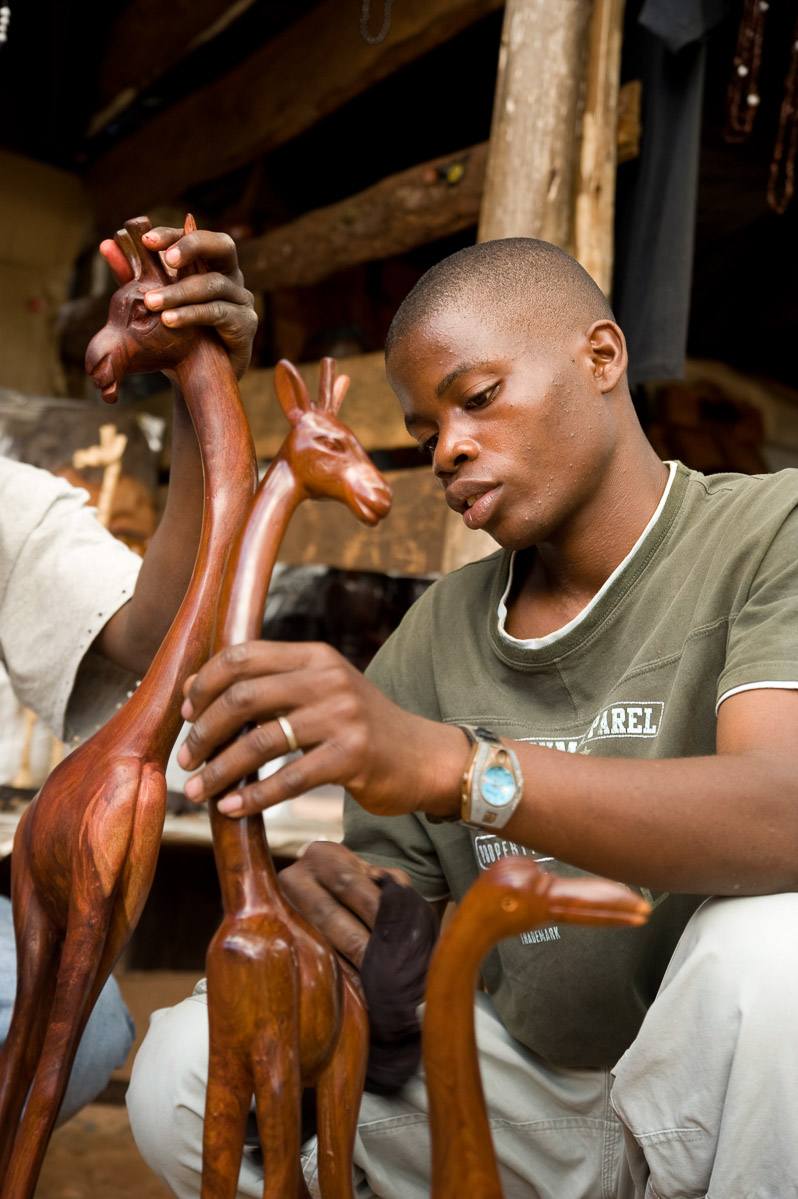 Edward Luna make crafts to sell to tourists in Zomba, Malawi. 4/8/2009. ©Vanessa Vick