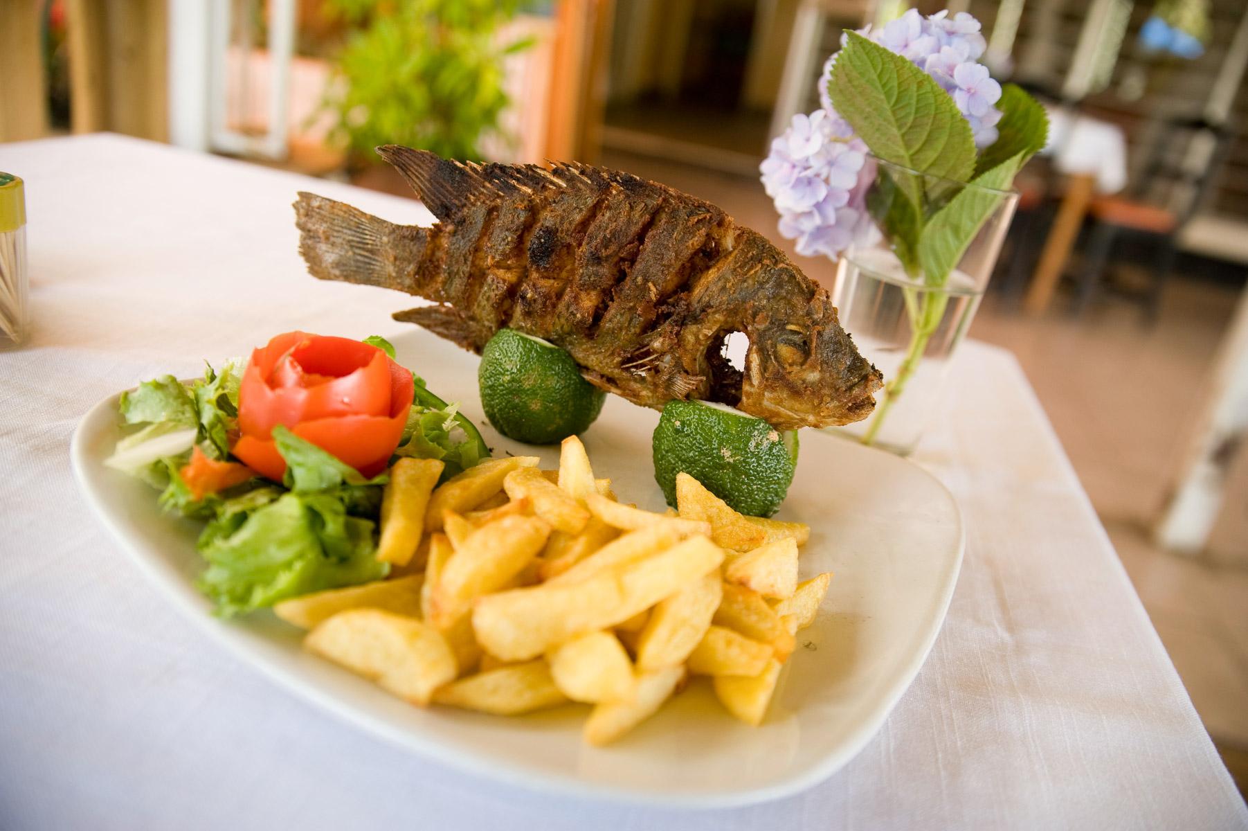 Chez Maky's restaurant  in Blantyre, Malawi. 4/7/2009. ©Vanessa Vick
