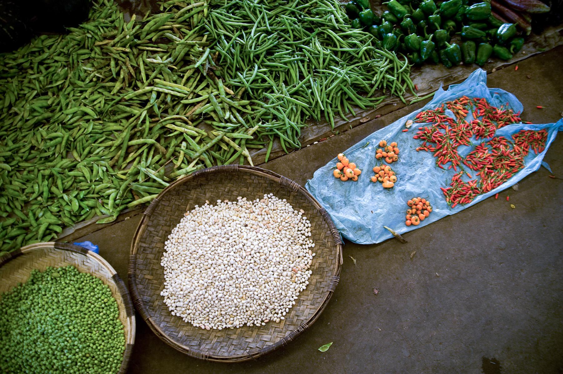 Central Market of Limbe near Blantyre, Malawi. 4/7/2009. ©Vanessa Vick