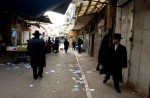 Daily street scene in Mea Sharim, a very conservative jewish neighborhood in Jerusalem.