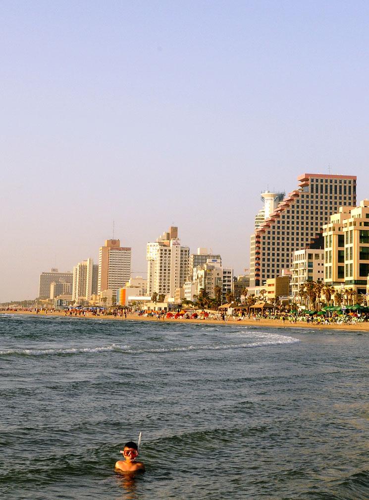 Snorkling in Tel Aviv