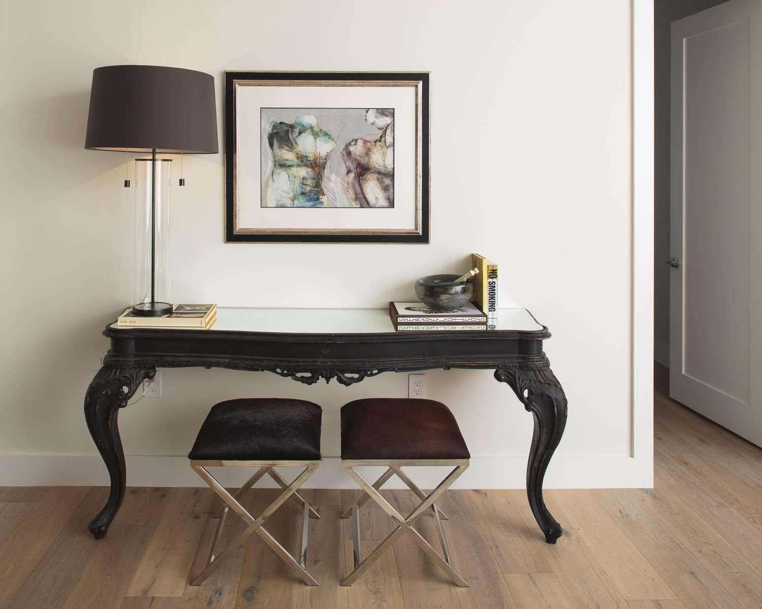 CONSOLE-TABLE