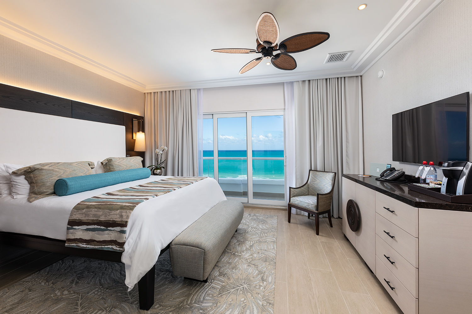 The-Palms-Hotel-March-2019-room-1202-05