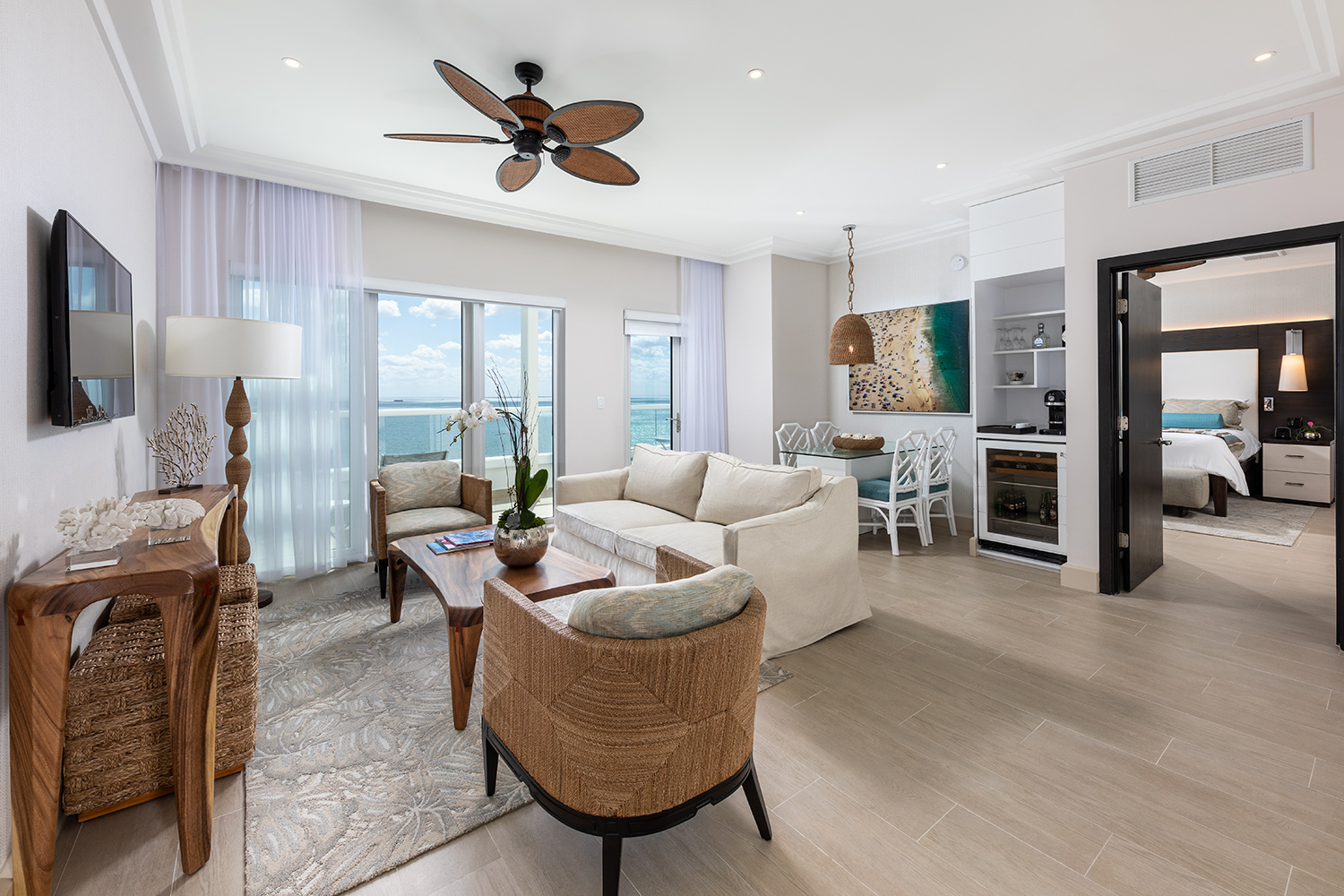 The-Palms-Hotel-March-2019-room-1206-03