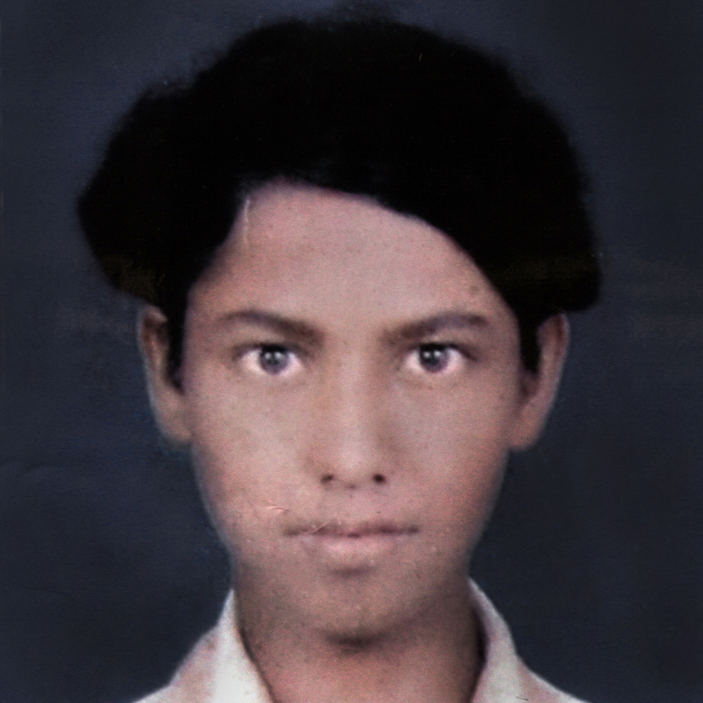 Shailesh Naresh Thool, 17, committed suicide.