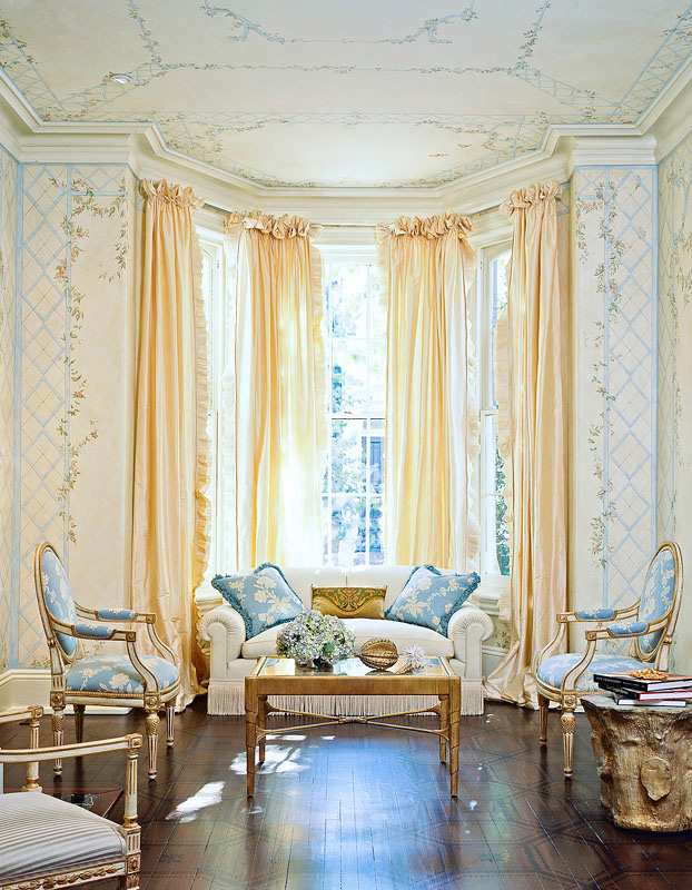 <b>Interior Design by Mary Douglas Drysdale</b><b>Private Residence</b><b>Washington, DC</b>Client:  Veranda <i>Featured on Veranda cover February 2009</i>