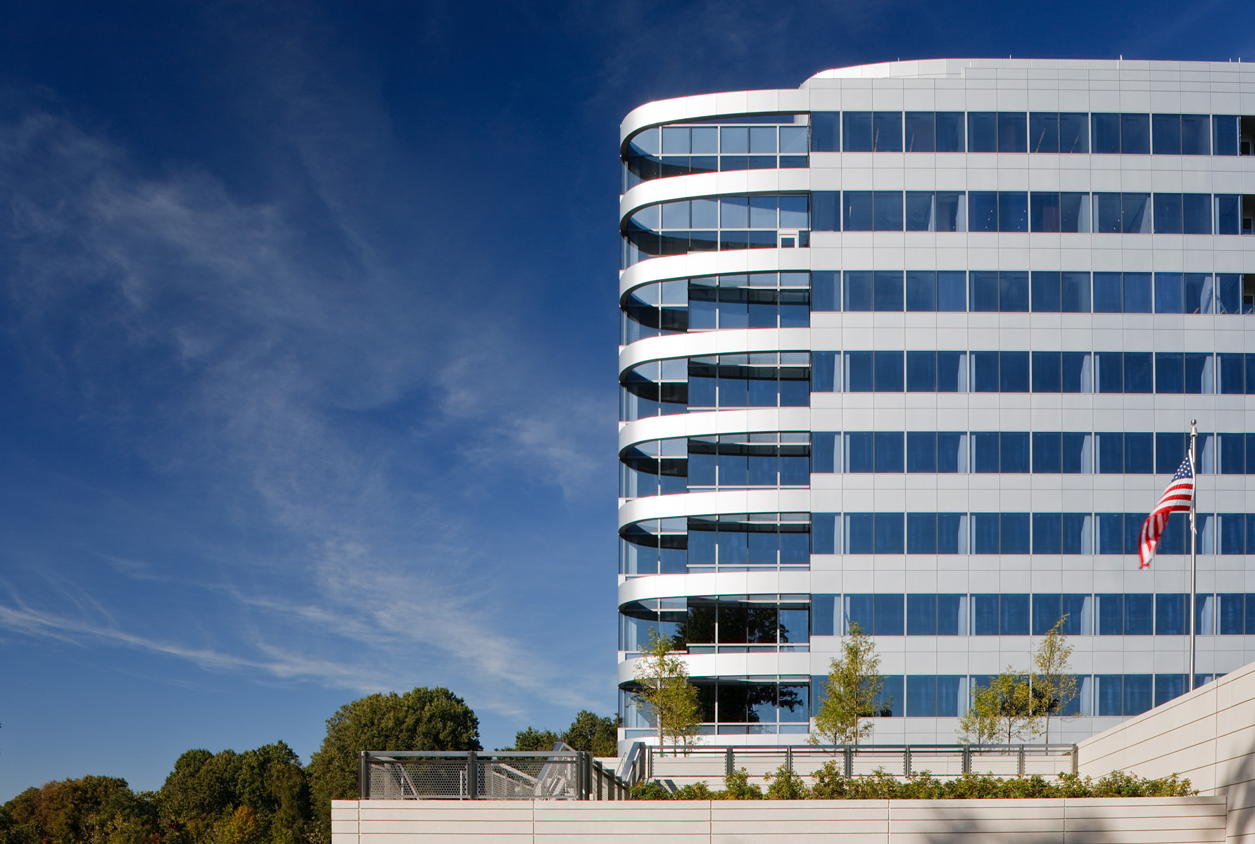 2000 Tower Oaks Boulevard Rockville, MDThe Tower CompaniesLEED Certified PlatinumEPA Energy StarFortune-Creating Vedic Building ArchitectureNAIOP Best Green Building of the YearDC Mayor's Office Environmental Excellence Award