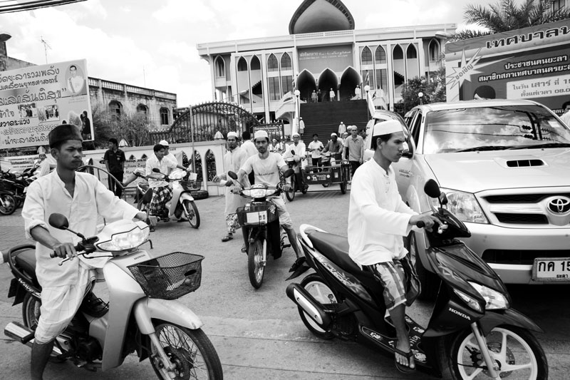 People go home after the noon prayer at Yala Central Mosque in South Thailand, where the majority is Muslims and the Muslim separate insurgency continues. April 04, 2008, Yala, Thailand.