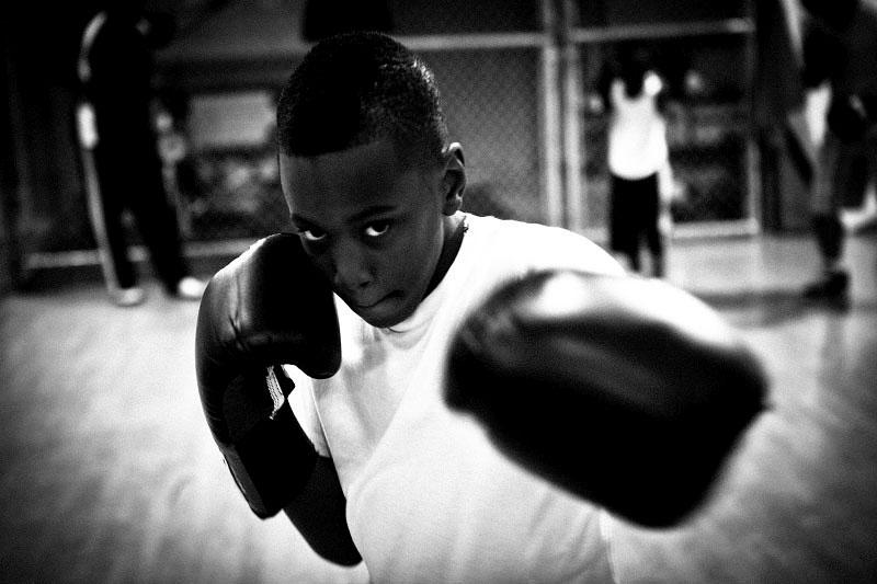 q_sakamaki_bw_boxing07_2