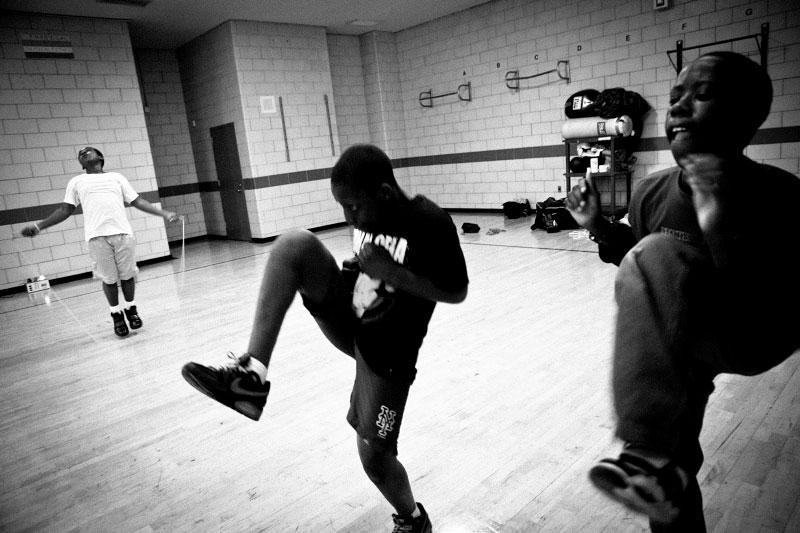 q_sakamaki_bw_boxing08