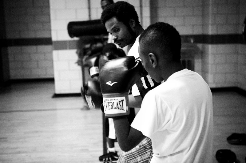 q_sakamaki_bw_boxing10_2