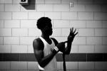 q_sakamaki_bw_boxing13