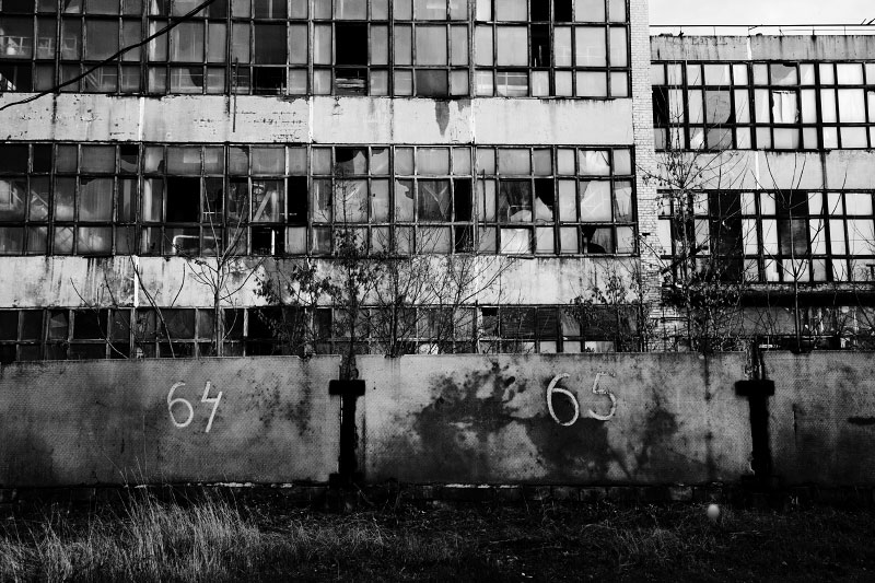 A closed chemical plant, althouhgh this was so years ago, many factories have been facing the closure, especially in the East, as the financial/ economic crisis hit worldwide. In October, IMF already set up rescue loan to prevent  the default of Ukraine. Nov 26 2008.