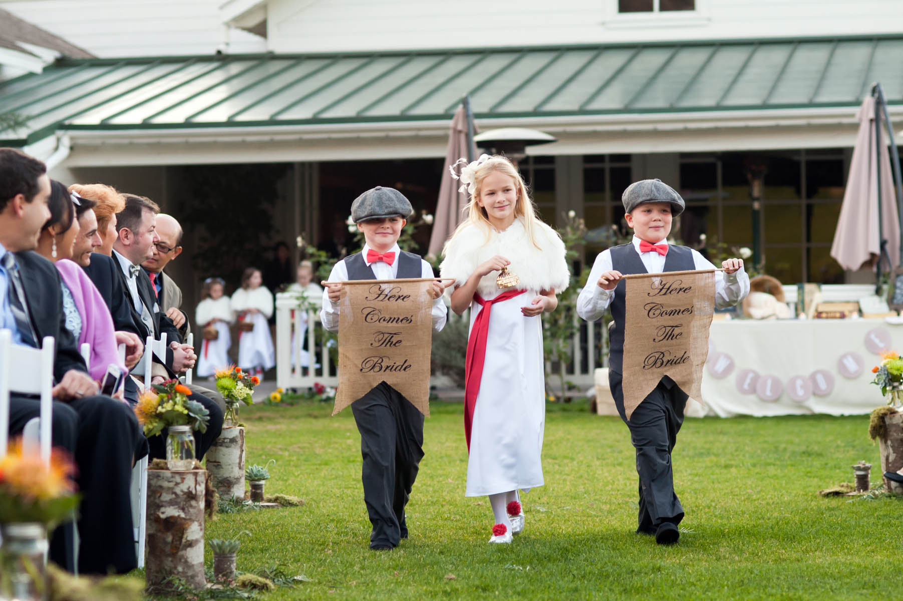 I love the vintage style of the ring bearers and flower girls!