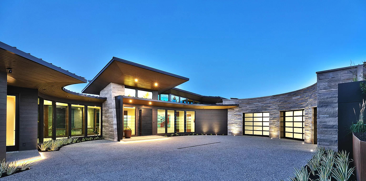 Exterior rounded driveway view