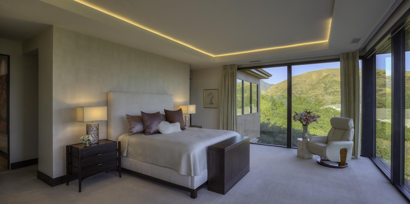 McArthur-3806-14a_E0E8654c_Cheryl_s-Master-Bedroom