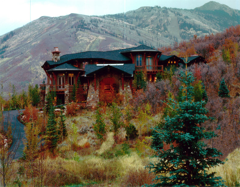 Exterior right angle far fall view of the front of the property