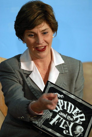 LAURA BUSH READS TO CHILDREN