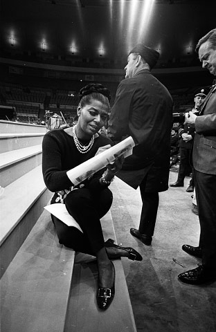 EARTHA KITT, MADISON SQUARE GARDEN