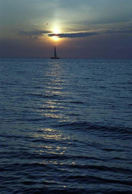 LAKE MICHIGAN SUNSET. MI