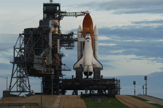 ATLANTIS, STS-117, LAUNCH DAY, For Bloomberg News