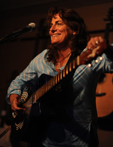 RUTH WYAND at Glades Guitars