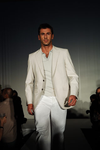 PERRY ELLIS FALL SHOWING