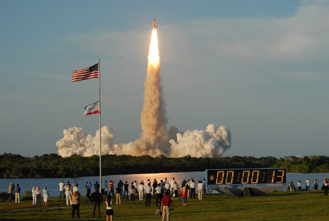 ATLANTIS, STS-117, For Bloomberg News