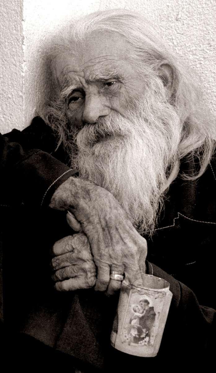 93 FILE 1st NCPPA POY Portrait: Costa Rican beggar.