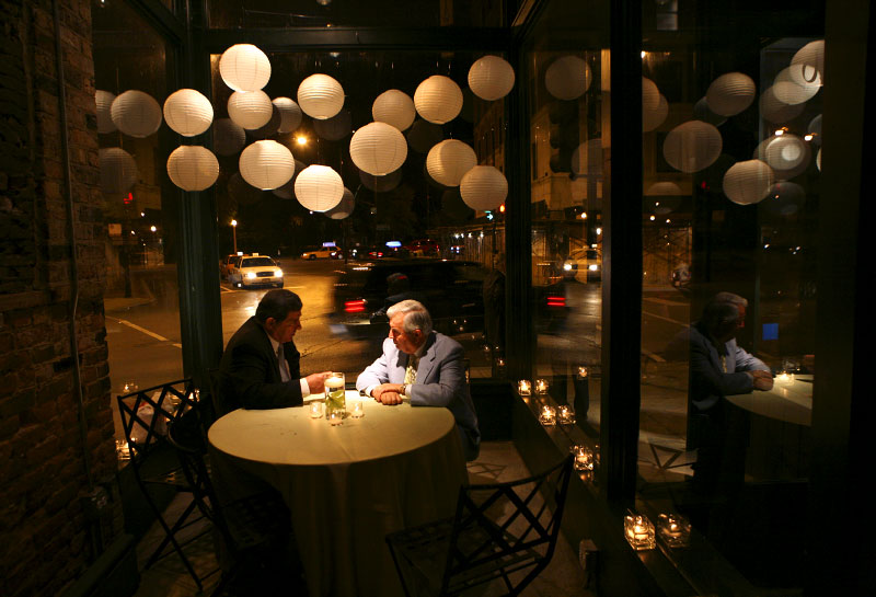 Sample Weddings Tracy Tom Chicago Guests enjoy a table away from the