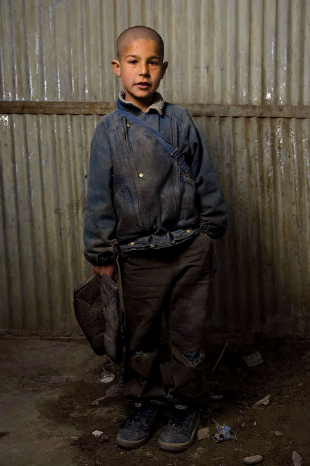 Safi, 10 Shoe Polisher