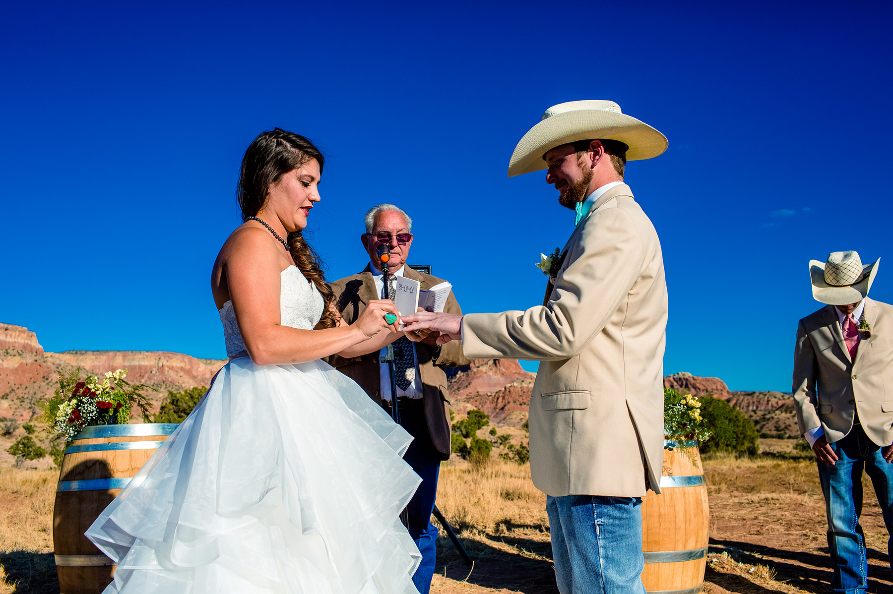 chelsea-and-brandon-ghost-ranch-wedding-2015-1014