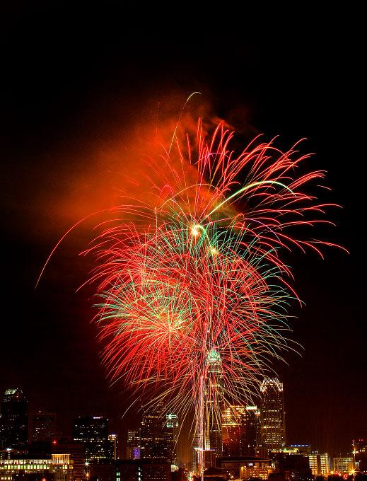 Charlotte_Fireworks_011s
