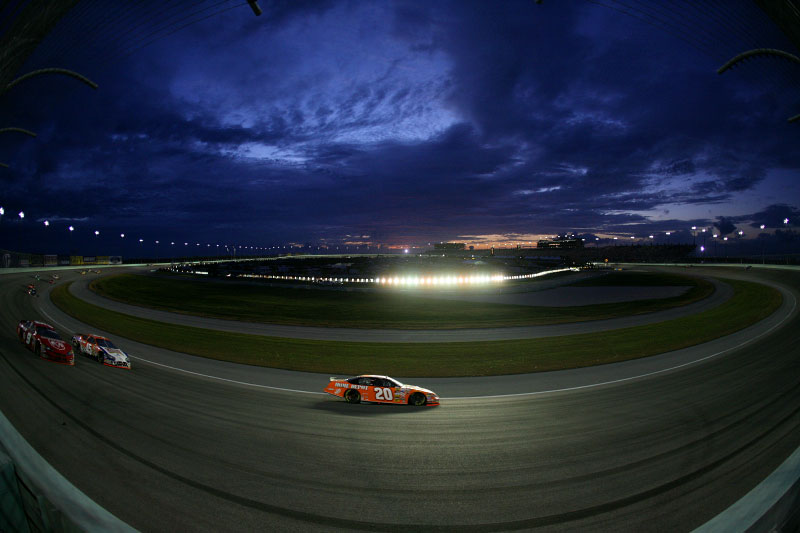 Tony Stewart en route to winning the Nextel Cup Championship race at Miami Speedway