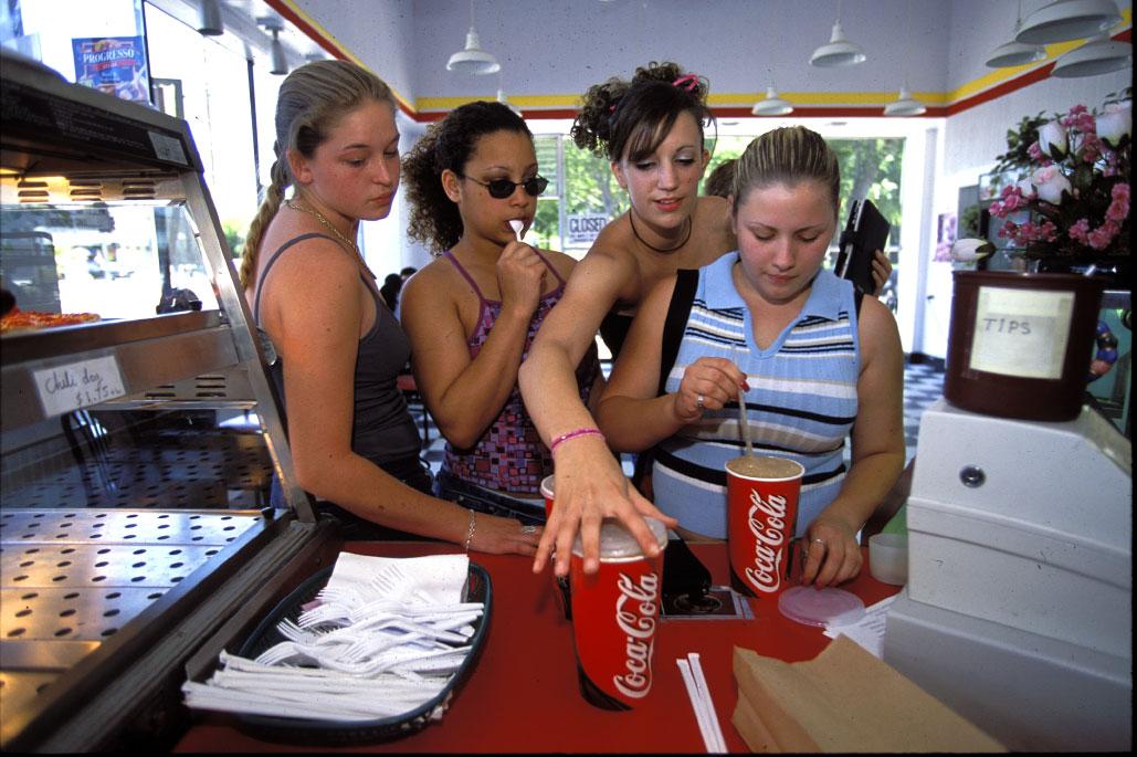 Stephanie (2nd left) has lunch with friends, Jennifer Hopkins, Sara Dunajski and Kim Luke.