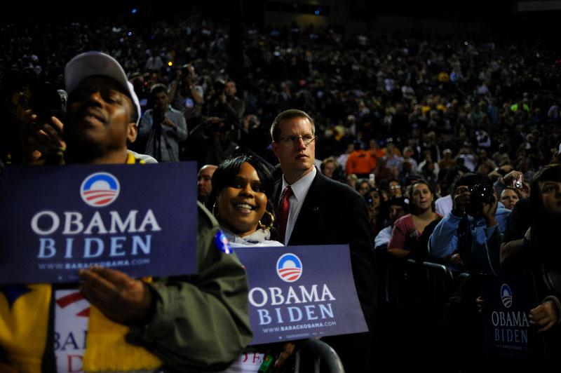 Y-Obama052-01