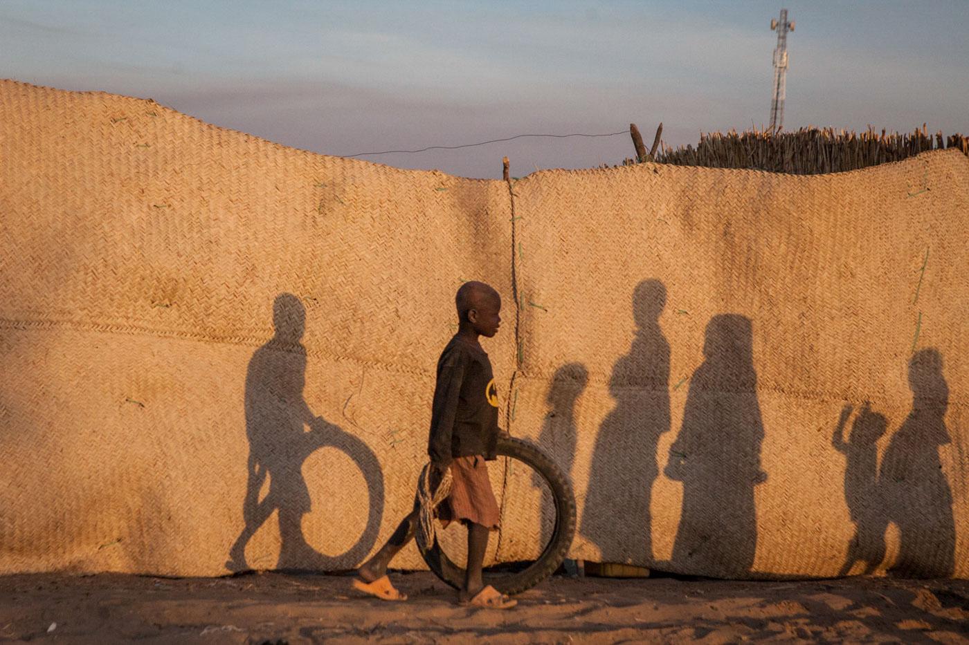 Children play in Kindjandi Town/Camp in Diffa, Niger