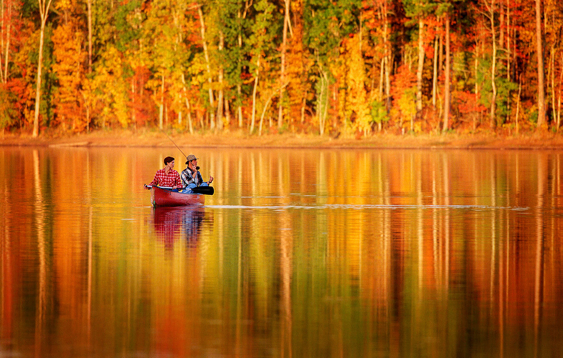 fall-fishing-couple-J2w
