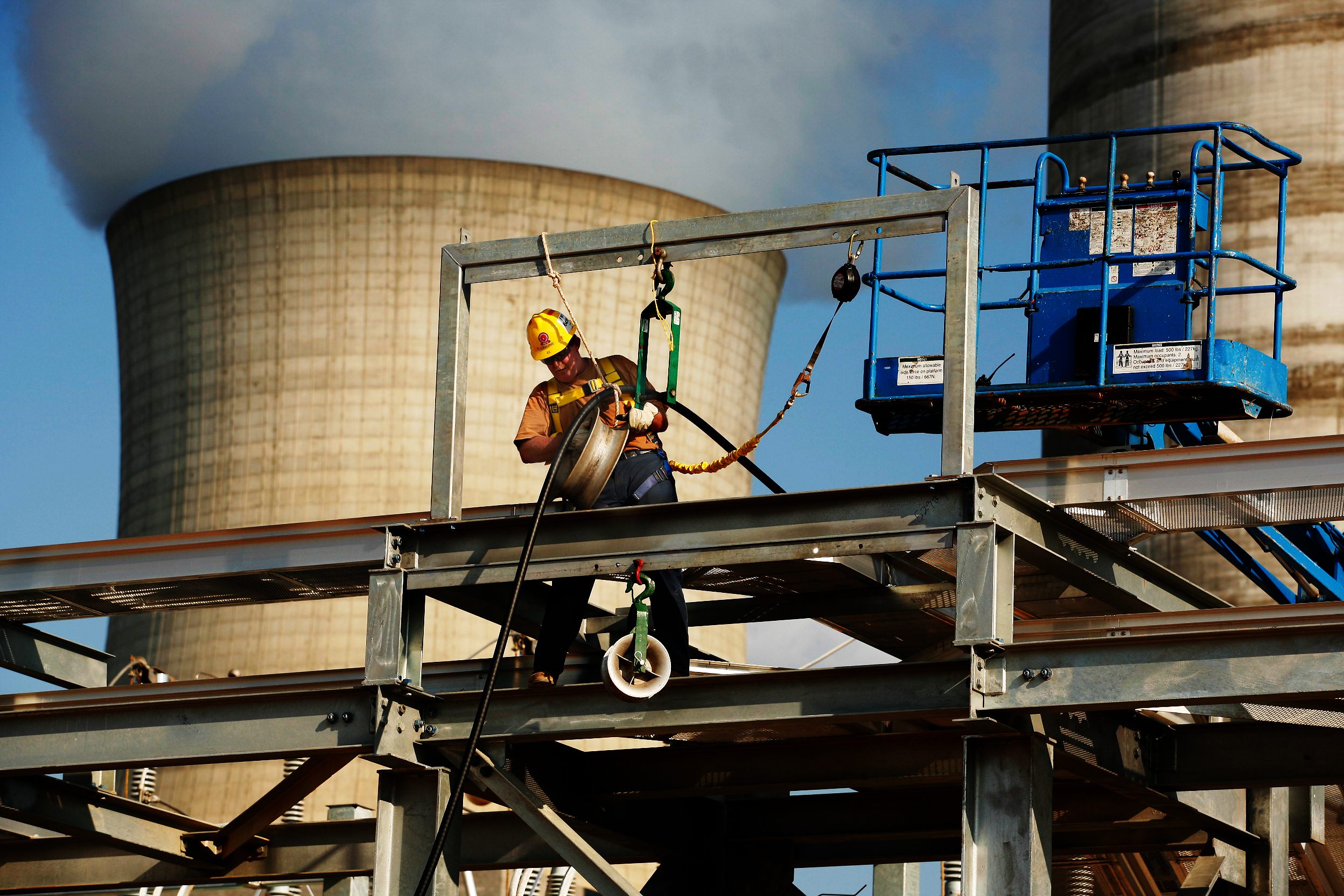 worker-cooltower_9373