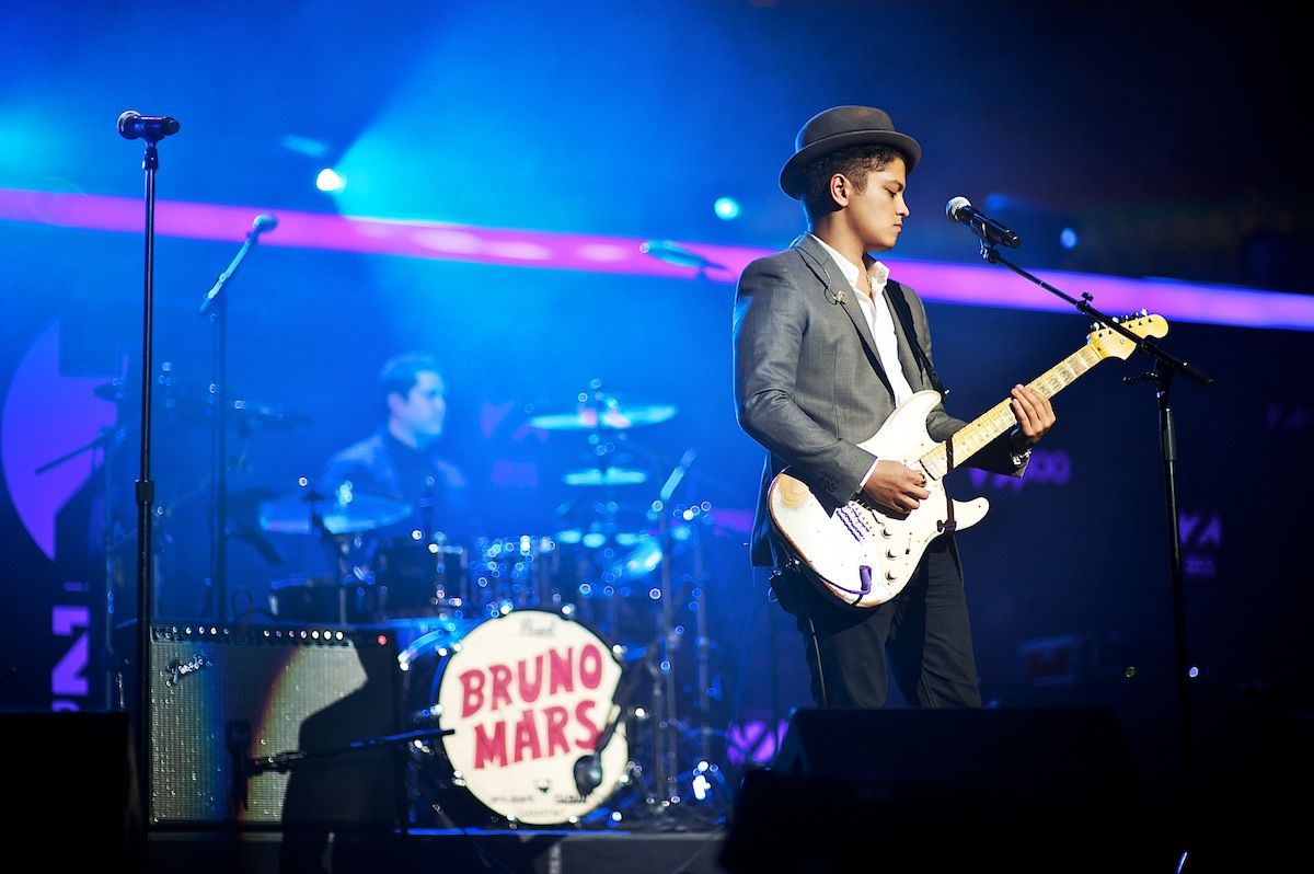 bruno mars confirms second leg of moonshine jungle tour 2014 music news and reviews. Black Bedroom Furniture Sets. Home Design Ideas