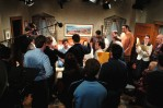 Phil Rosenthal directs the cast of Everybody Loves Raymond
